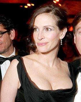 Julia Roberts vindt dat ze te grote borsten heeft