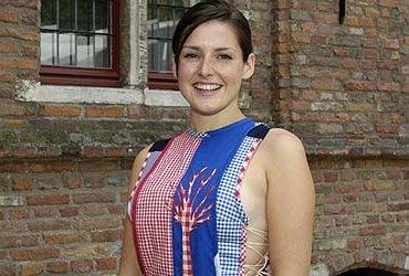 Zeeuws Meisje Anna Dieleman showt de nieuwe outfit