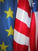 Vlaggen van de EU en de VS