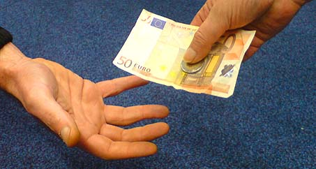 Foknl Nieuws Ieder Gezin Krijgt Deze Week 52 Euro