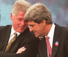 Bill Clinton en John Kerry