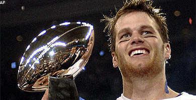 Tom Brady met de Superbowl troffee